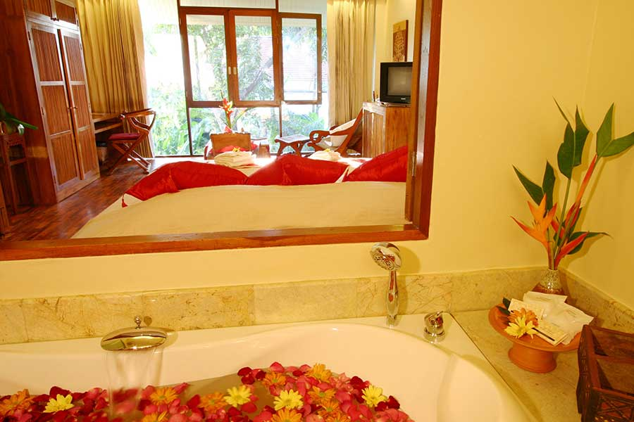 Jacuzzi Junior Suite Accommodation04 Ban Sabai Village Resort And Spa Chiang Mai