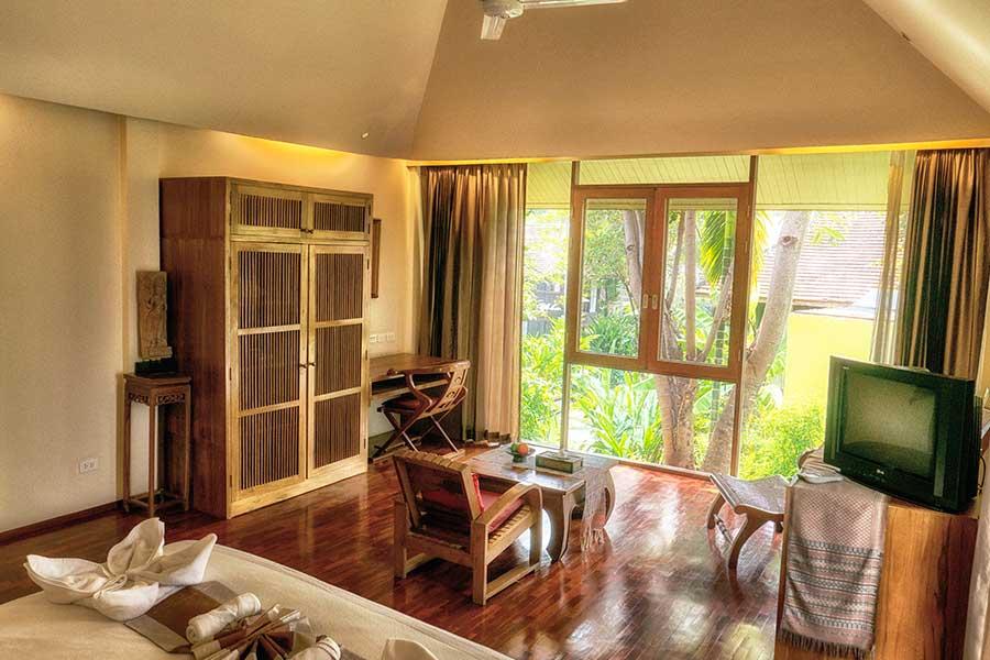 Jacuzzi Junior Suite Accommodation 01 Ban Sabai Village Resort And Spa Chiang Mai