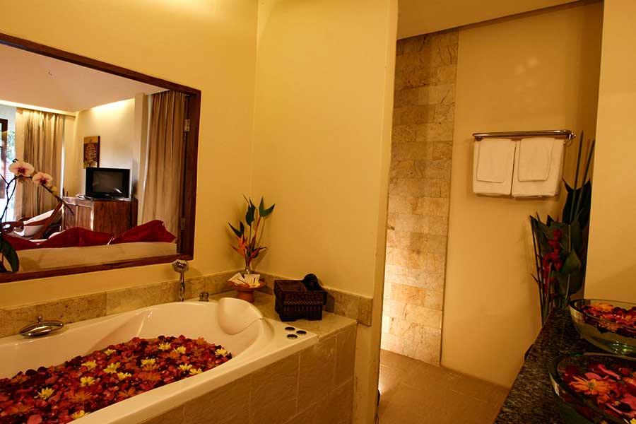 Jacuzzi Junior Suite Accommodation06 Ban Sabai Village Resort And Spa Chiang Mai