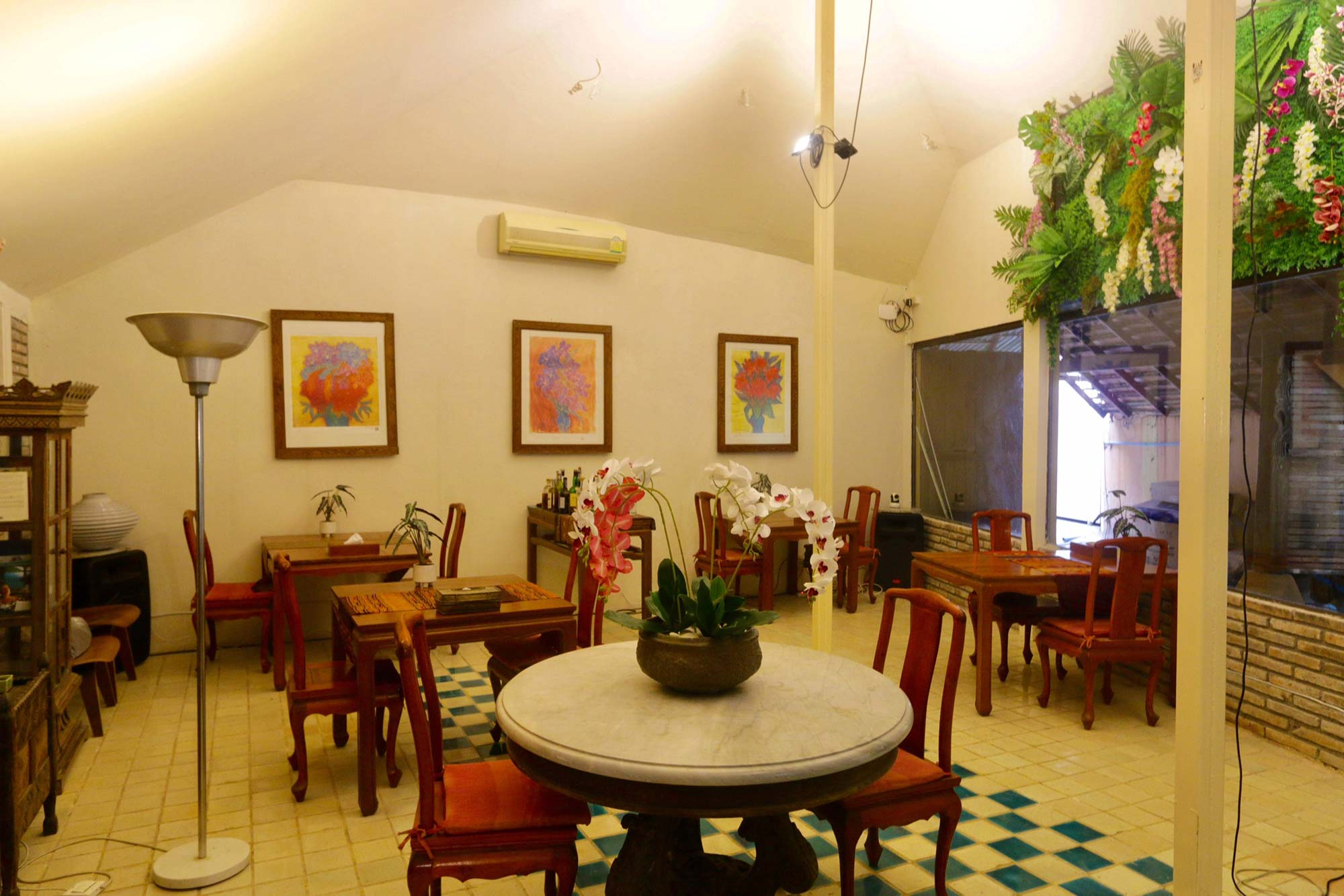 Chiang Mai assisted living - lounge